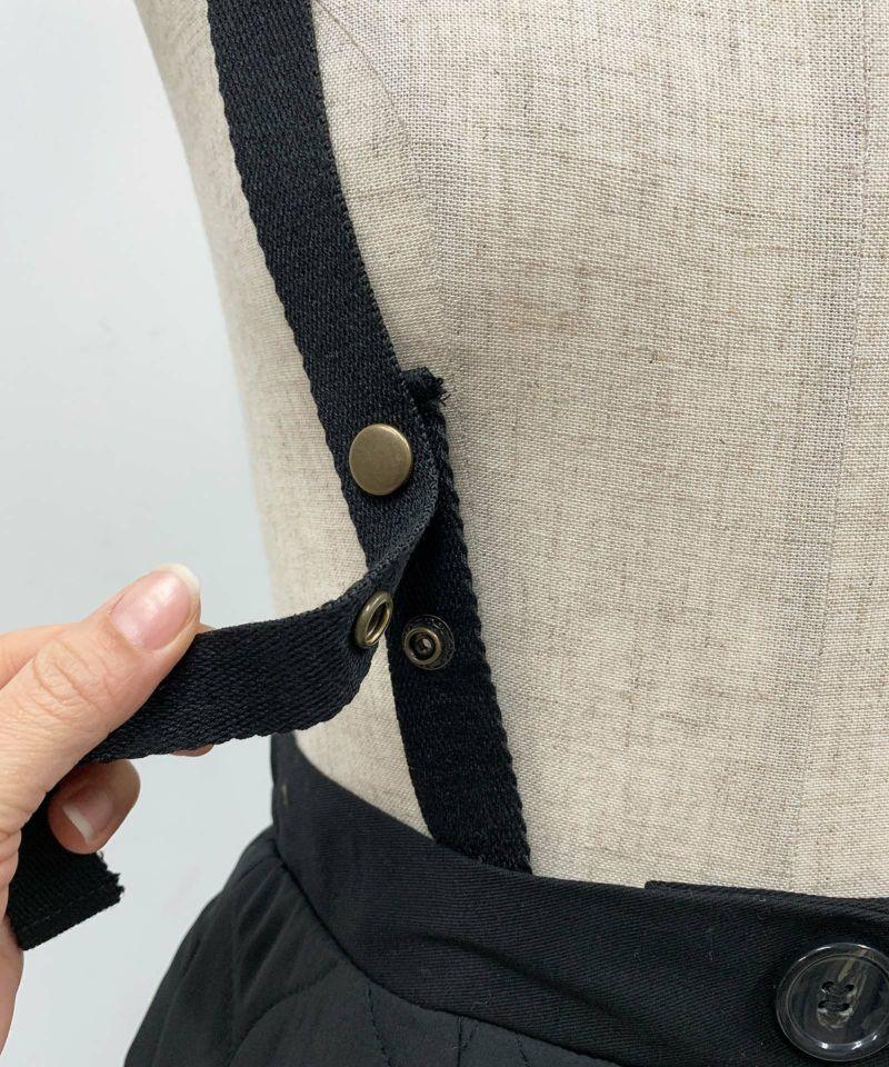 肩紐前スナップポタン調節可能